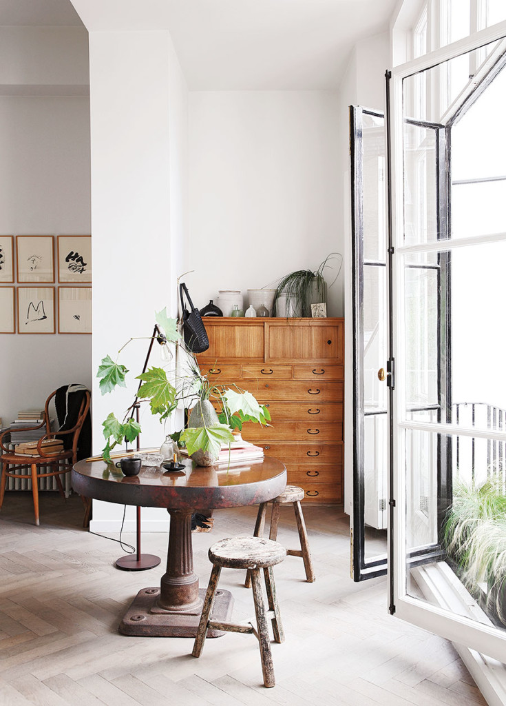 anna_valentine_doors_interior